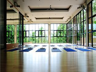 absolute-yoga-room